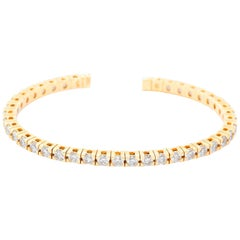 Beautiful 14 Karat Yellow Gold Sparkling Diamond Cuff Bracelet