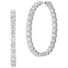 Beautiful 18 Karat Gold Classic Diamond Hoop Earrings, total weight 15.83 Carat