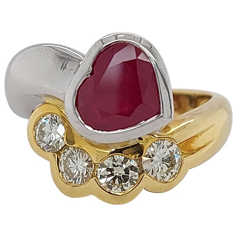 Beautiful 18kt Yellow and White Gold Ring with 4 Diamonds and Heart Shaped Ruby For Sale