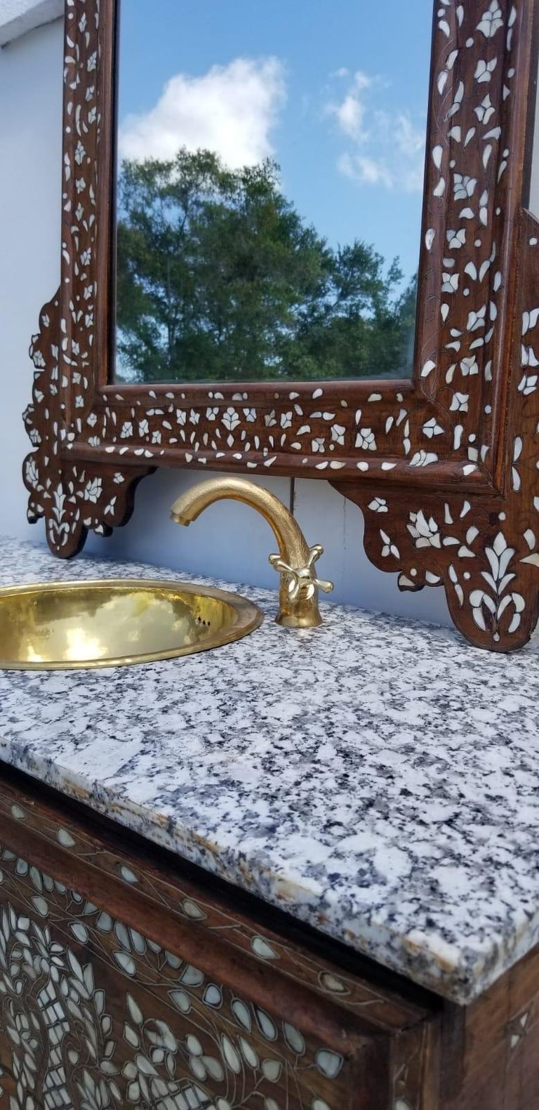 Beautiful 1900s Middle Eastern Mother of Pearl Vanity and Mirror In Good Condition For Sale In West Palm Beach, FL