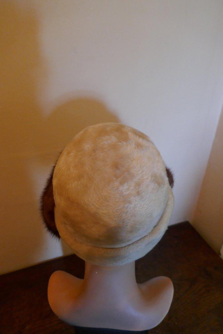 Beautiful 1920s Felt Fur Cloche Hat, trimmed with Mink by Panda In Good Condition In Chillerton, Isle of Wight
