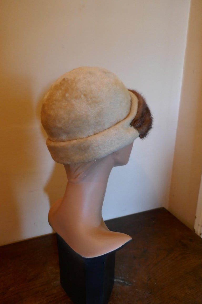 Women's Beautiful 1920s Felt Fur Cloche Hat, trimmed with Mink by Panda