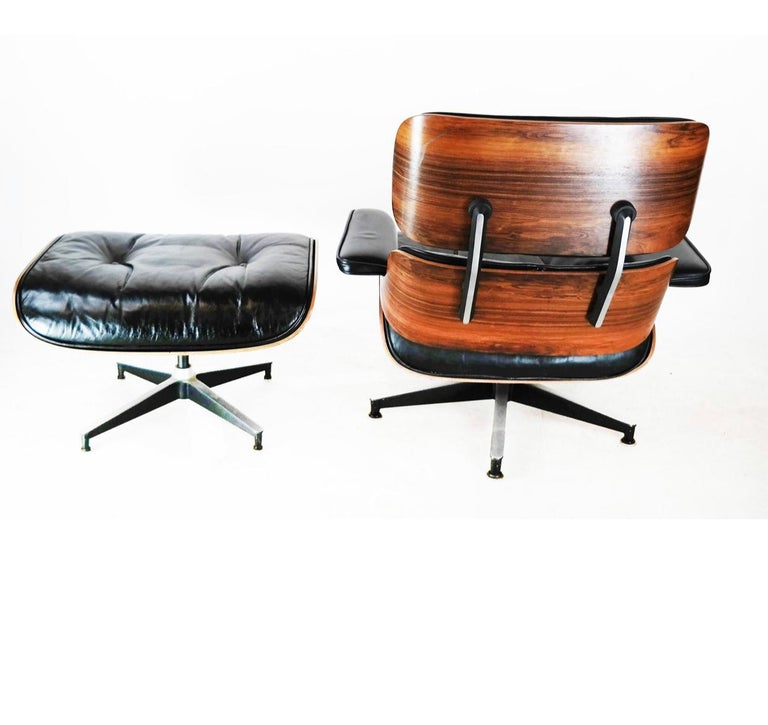 Mid-Century Modern Beautiful 1960s Edition Herman Miller Eames Lounge Chair and Ottoman For Sale