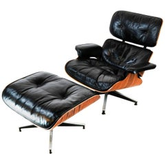 Beautiful 1960s Edition Herman Miller Eames Lounge Chair and Ottoman
