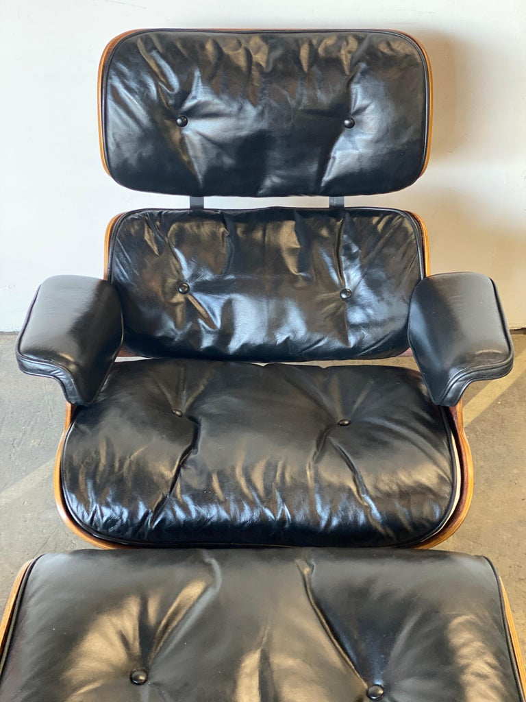 Beautiful 1960s Herman Miller Eames Lounge Chair and Ottoman 3