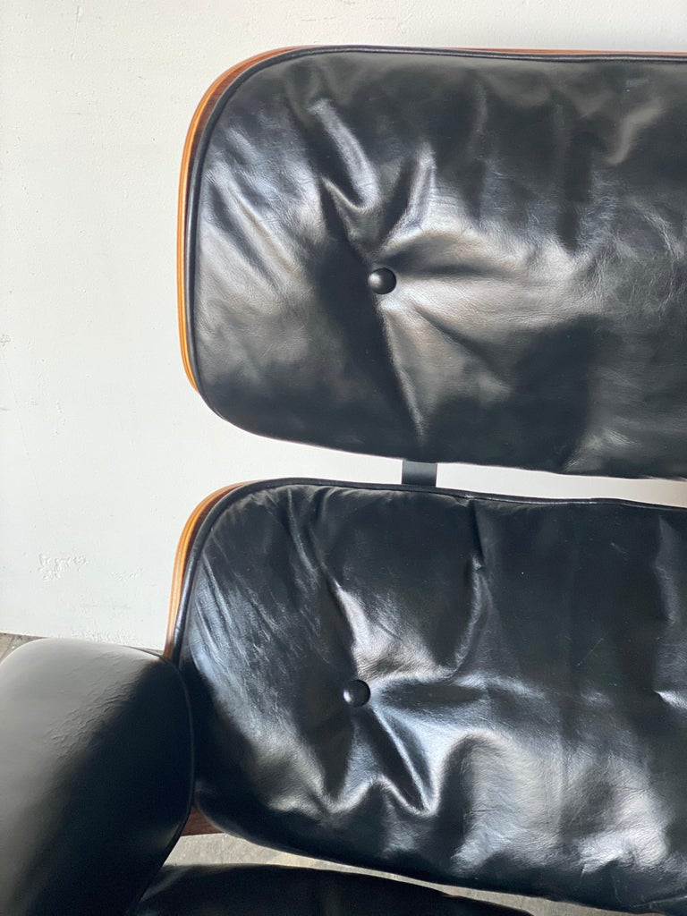 Beautiful 1960s Herman Miller Eames Lounge Chair and Ottoman 6