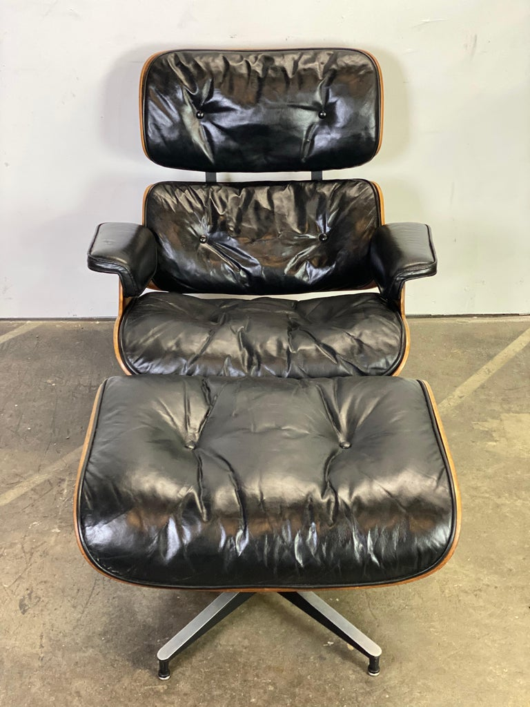 Beautiful 1960s Herman Miller Eames Lounge Chair and Ottoman 9