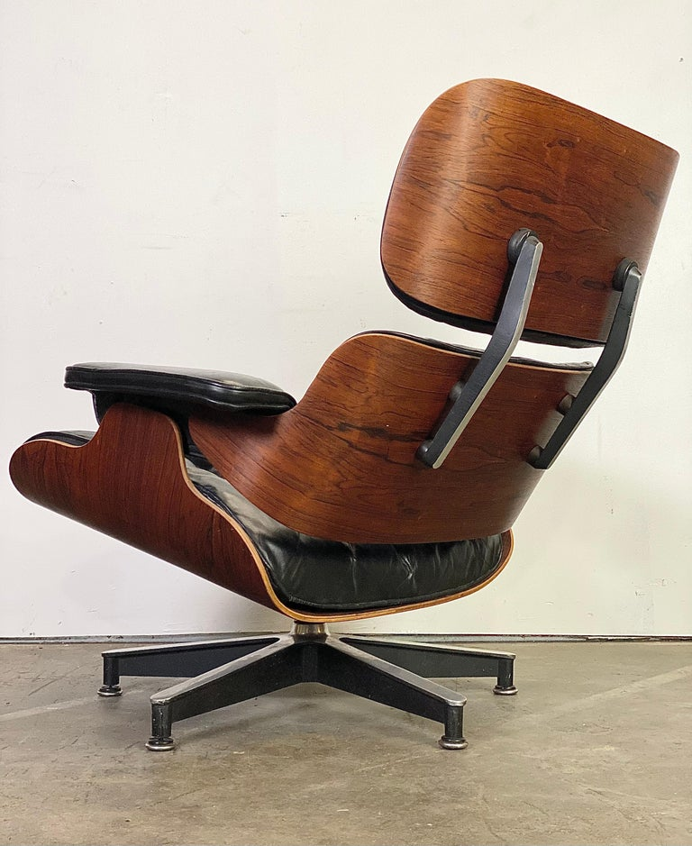 Mid-Century Modern Beautiful 1960s Herman Miller Eames Lounge Chair and Ottoman