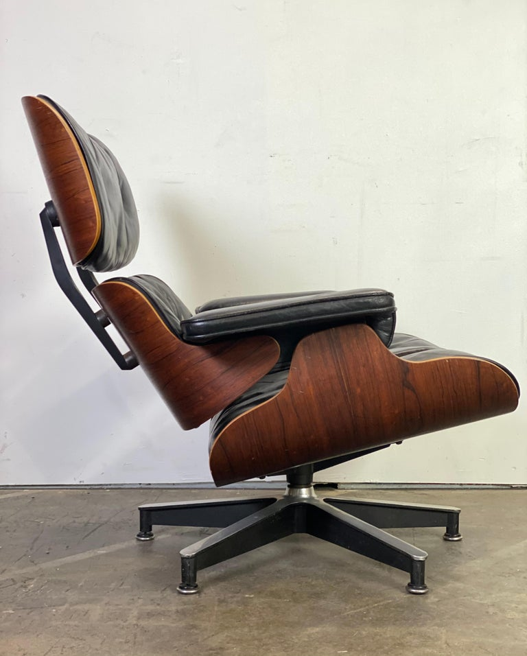 20th Century Beautiful 1960s Herman Miller Eames Lounge Chair and Ottoman
