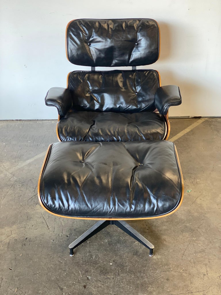Beautiful 1960s Herman Miller Eames Lounge Chair and Ottoman 1