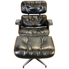 Beautiful 1960s Herman Miller Eames Lounge Chair and Ottoman