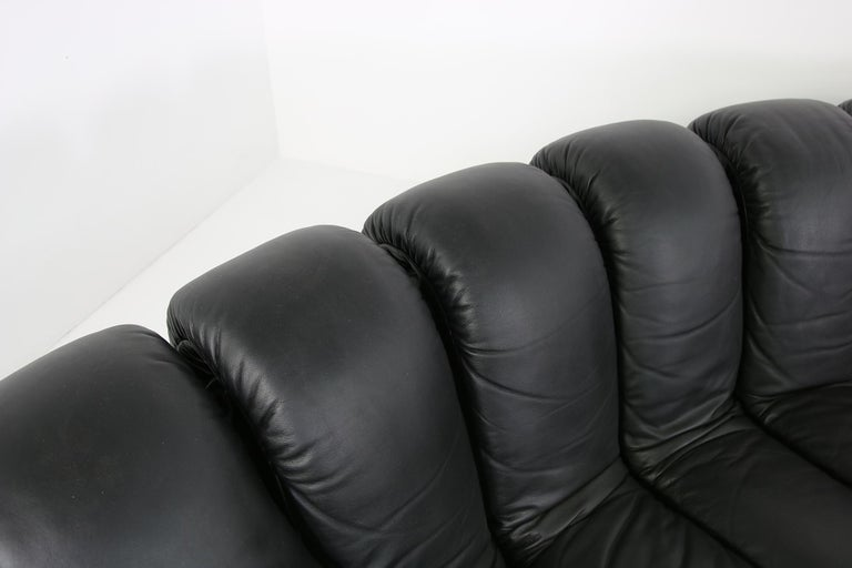 Beautiful 1980s Black De Sede DS 600 Lounge Leather Sofa in Full Leather Edition For Sale 5