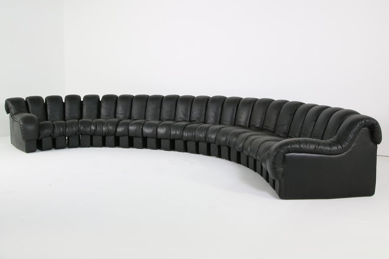 Beautiful 1980s Black De Sede DS 600 Lounge Leather Sofa in Full Leather Edition For Sale 6