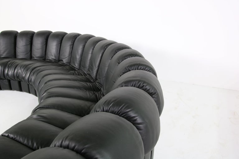 Modern Beautiful 1980s Black De Sede DS 600 Lounge Leather Sofa in Full Leather Edition For Sale