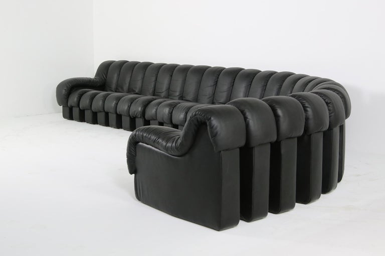 Swiss Beautiful 1980s Black De Sede DS 600 Lounge Leather Sofa in Full Leather Edition For Sale