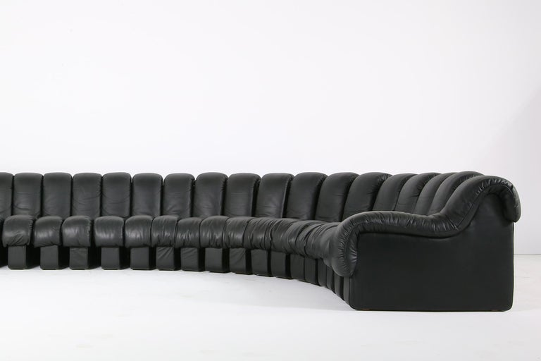 Late 20th Century Beautiful 1980s Black De Sede DS 600 Lounge Leather Sofa in Full Leather Edition For Sale