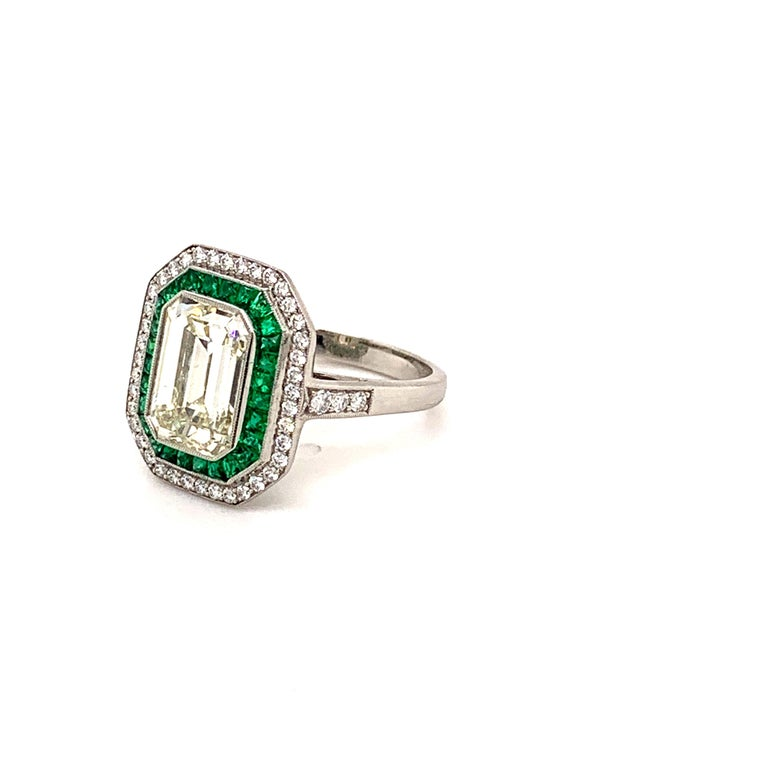Stunning 2.84 Carat Emerald Cut Diamond Ring and Emerald Ring For Sale 2