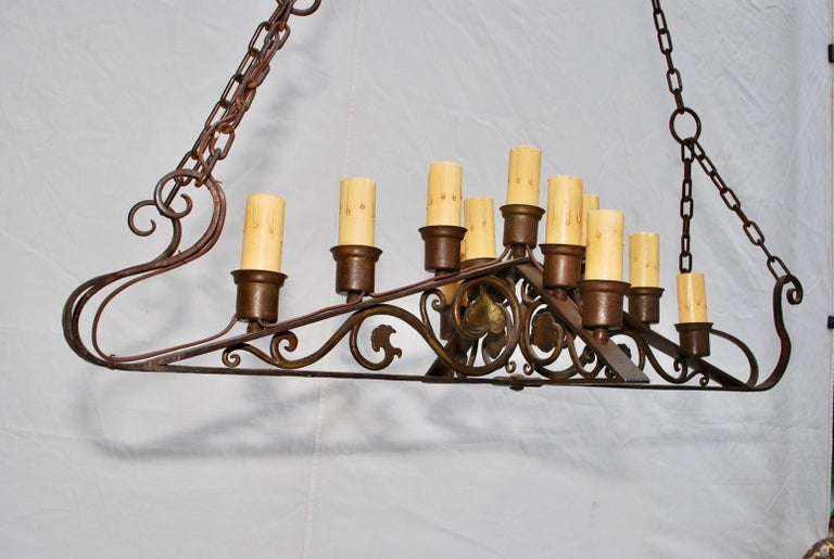 Spanish Colonial Beautiful and Elegant 1920s Wrought Iron Chandelier For Sale