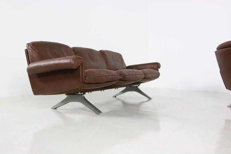 Swiss Vintage 1970s Vintage De Sede DS 31 Sofa Set Dark Cognac Brown Leather Couch For Sale