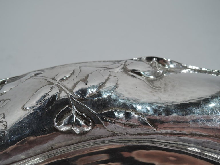Beautiful Antique Gorham Martele Silver Bowl with Strewn Roses In Excellent Condition For Sale In New York, NY