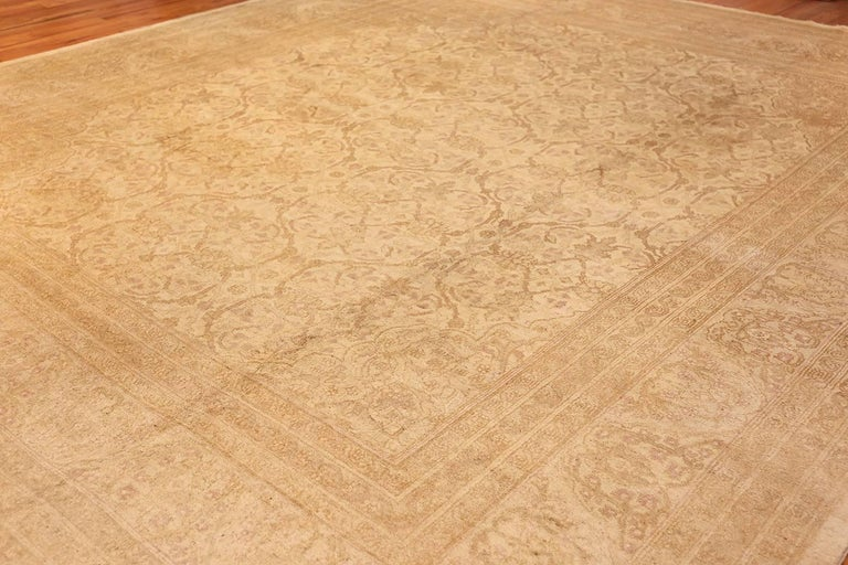 Beautiful Antique Indian Agra Carpet. Size: 12 ft x 13 ft 10 in For Sale 4