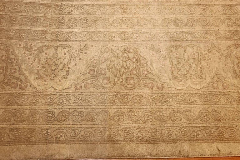 Beautiful Antique Indian Agra Carpet. Size: 12 ft x 13 ft 10 in For Sale 1
