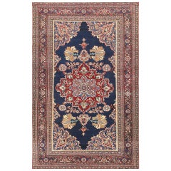 Beautiful Antique Persian Khorassan Rug. Size: 4 ft 5 in x 6 ft 8 in