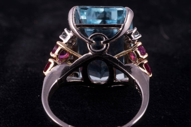 Beautiful Aquamarine and Ruby and Diamond Ring In Excellent Condition For Sale In New Orleans, LA