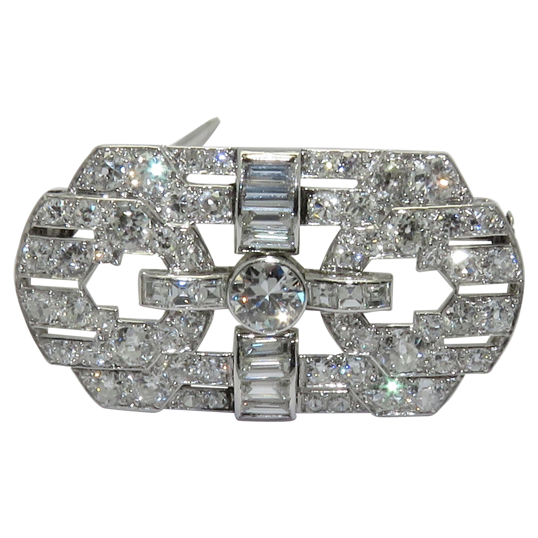Beautiful Art Deco Platinum Diamond Brooch