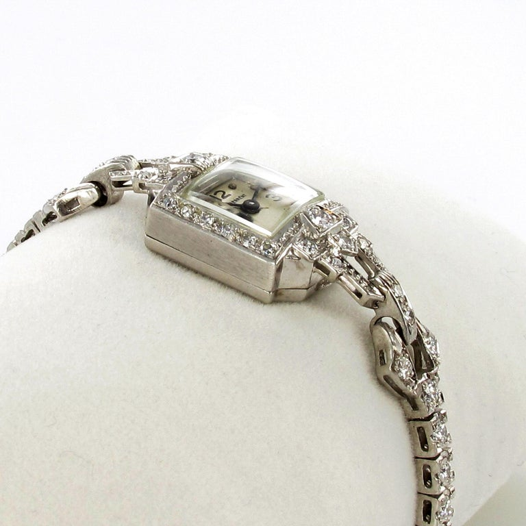 Beautiful Art Deco Style Ladies Bracelet Watch with Diamonds in Platinum 950 In Good Condition For Sale In Lucerne, CH