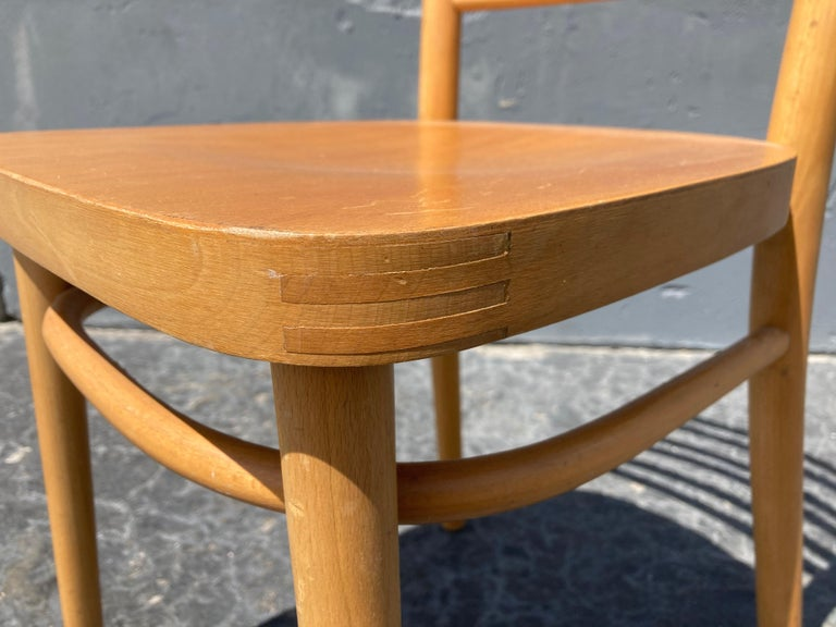 Beautiful Bentwood Dining Chairs, in the Style of Thonet For Sale 1