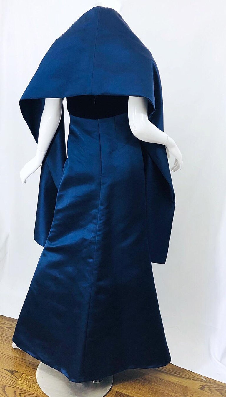 Women's Beautiful Bill Blass Vintage Sz 6 / 8 Navy Blue Silk Satin 90s Gown + Shawl  For Sale