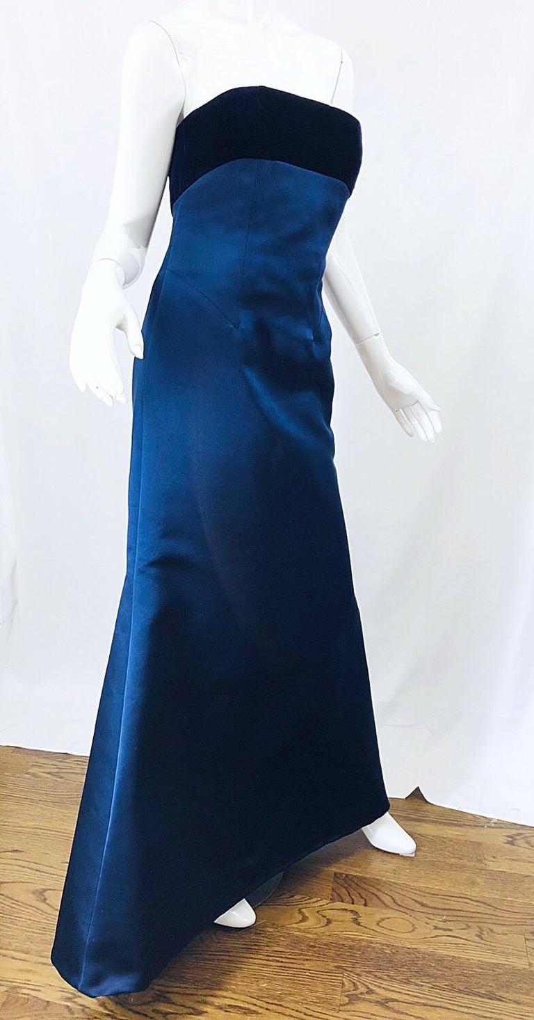 Beautiful Bill Blass Vintage Sz 6 / 8 Navy Blue Silk Satin 90s Gown + Shawl  For Sale 2