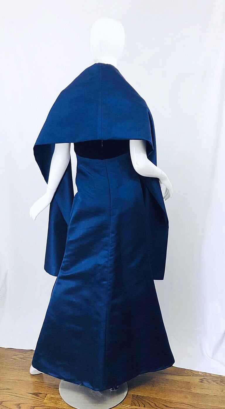 Beautiful Bill Blass Vintage Sz 6 / 8 Navy Blue Silk Satin 90s Gown + Shawl  For Sale 5