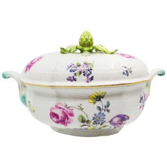 Beautiful Bowl, Hand Painted Flowers with Artichoke Finial Meissen, 19th Century