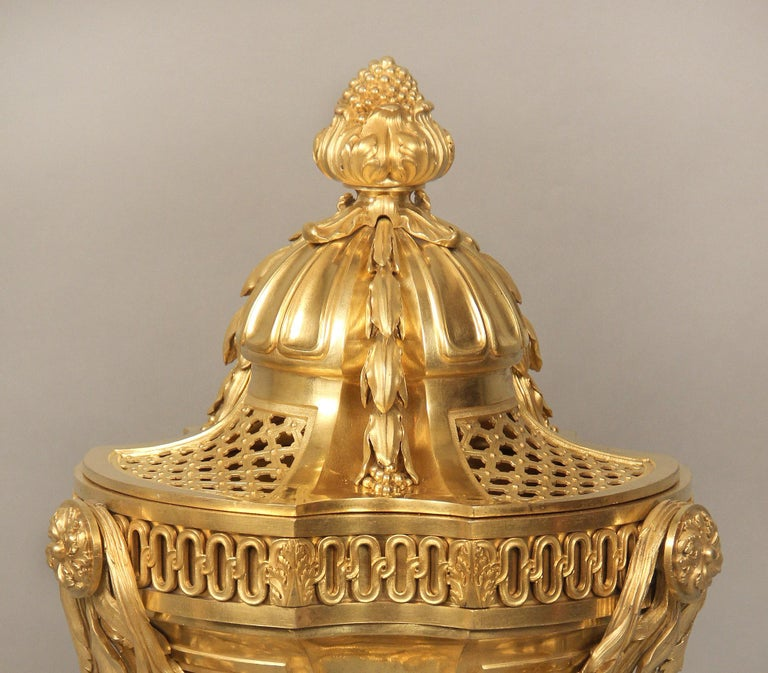 French Beautiful Bronze Late 19th Century Louis XV Style Gilt Bronze Brule Parfum For Sale