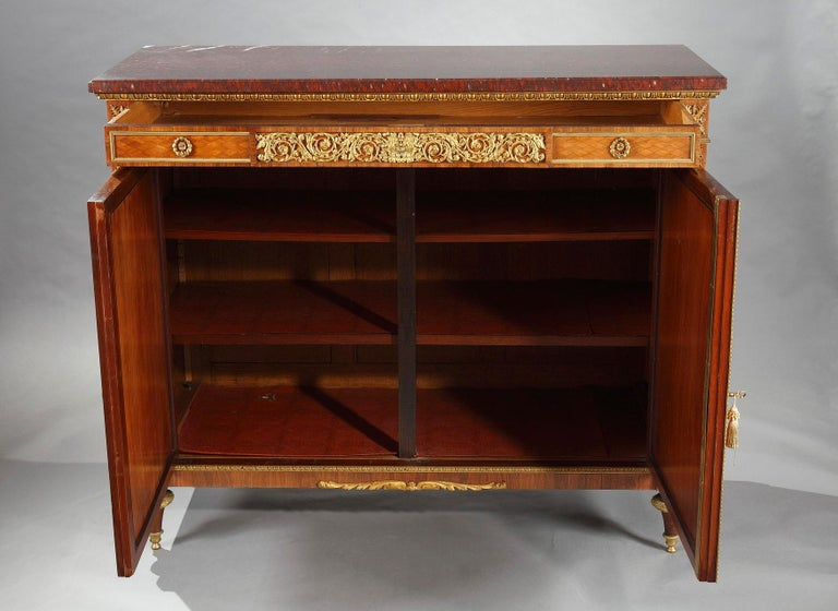 Beautiful Chest-of-Drawers attributed to G.Grohé In Good Condition For Sale In PARIS, FR