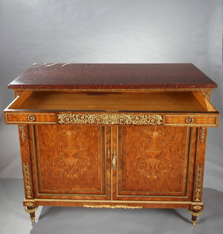 Late 19th Century Beautiful Chest-of-Drawers attributed to G.Grohé For Sale