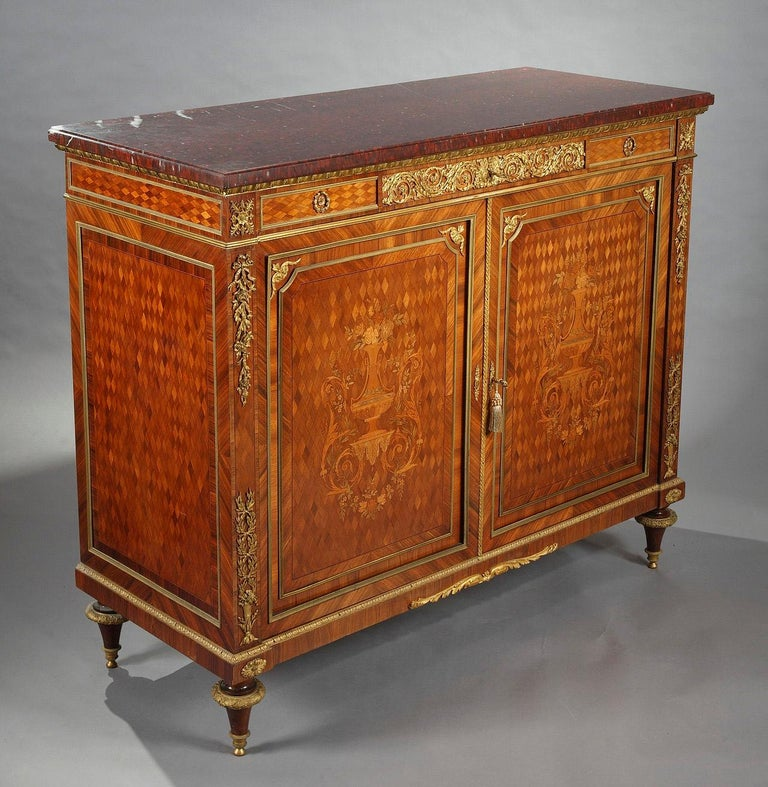 Beautiful Chest-of-Drawers attributed to G.Grohé For Sale 1