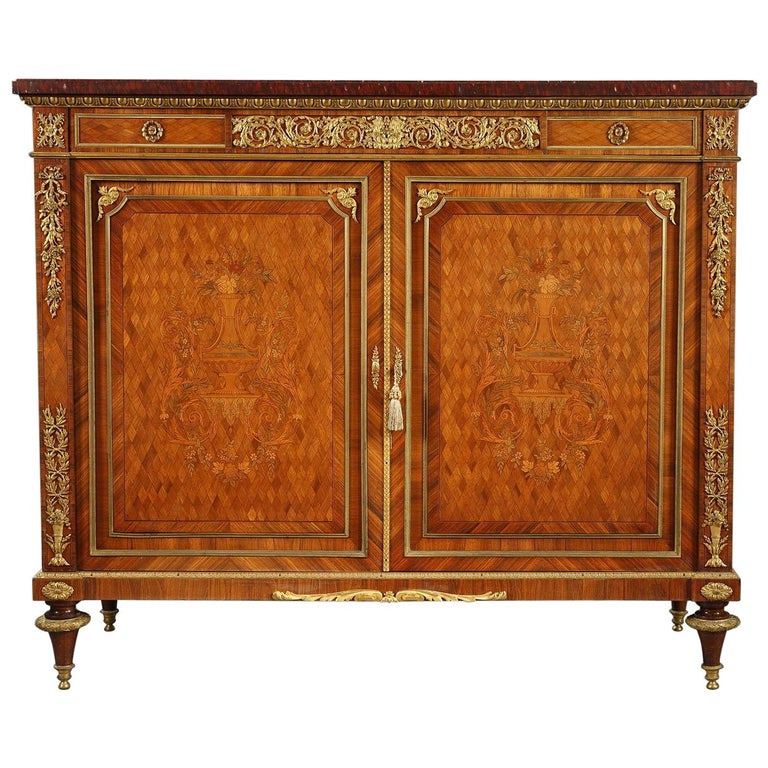 Beautiful Chest-of-Drawers attributed to G.Grohé For Sale