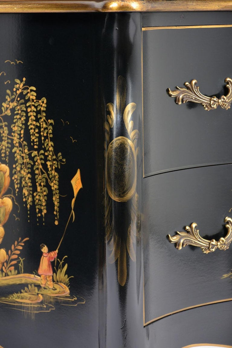 Beautiful Chinoiserie Style Chest of Drawers For Sale 11