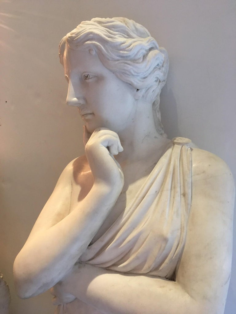 Italian Beautiful Classical Hand-Carved Life-Sized Statue of Venus For Sale