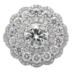 Beautiful Diamond Ring 3.84 Carat Total Weight 18 Karat White Gold