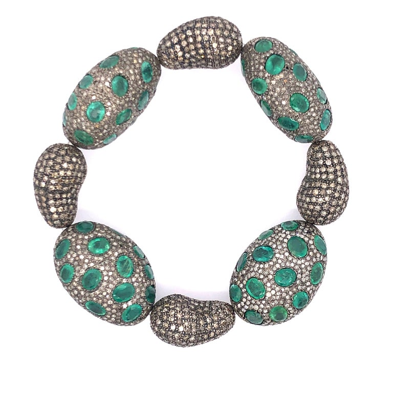 Beautiful Emerald and Diamond Stretch Bracelet  In New Condition For Sale In New York, NY