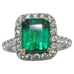Beautiful Emerald Ring w/ Yellow Prongs