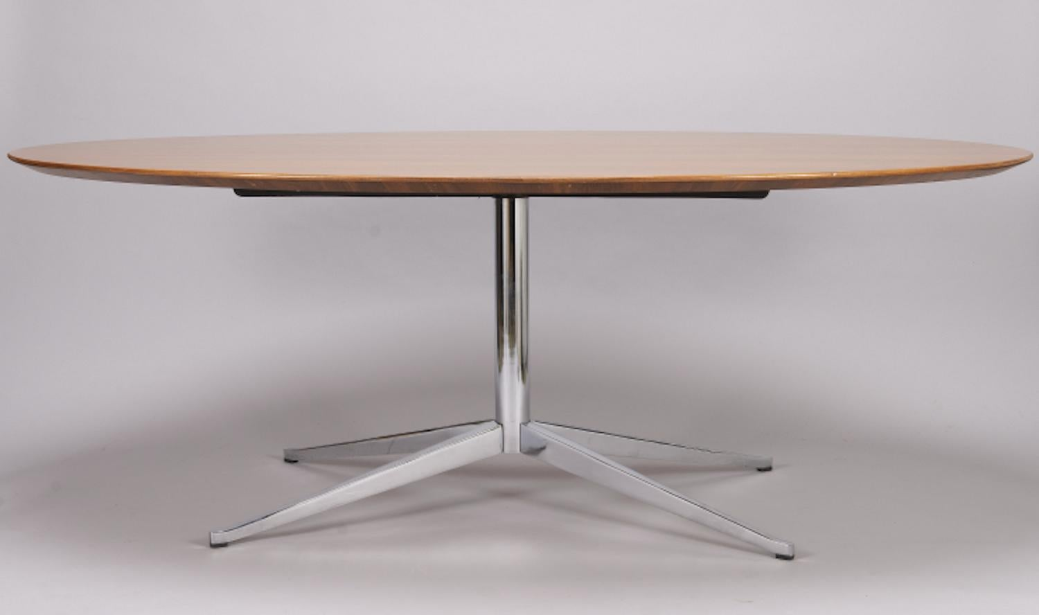 Table Florence Knoll Prix beautiful florence knoll oval table or desk at 1stdibs