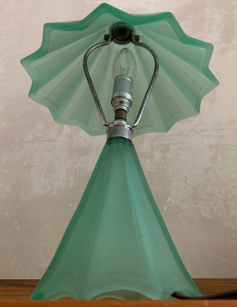 Beautiful French Art Deco Table Lamp For Sale 1