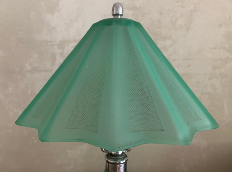 Beautiful French Art Deco Table Lamp For Sale 2