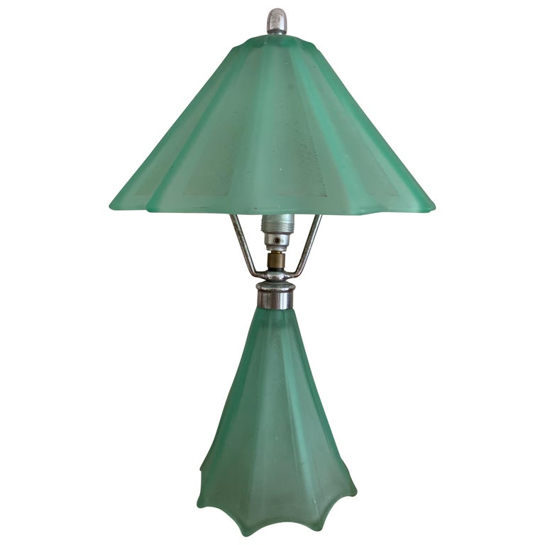 Beautiful French Art Deco Table Lamp For Sale