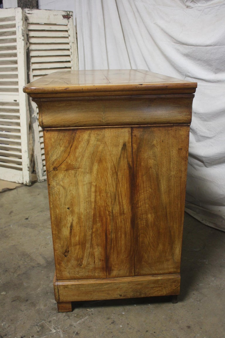 Beautiful French Louis-Philippe Buffet In Good Condition For Sale In Atlanta, GA